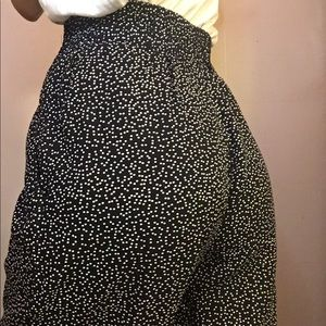 polka dots pants in black and white